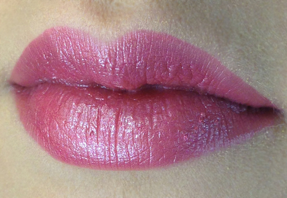 rossetto maybelline new york color sensational 150 stellar pink indossato