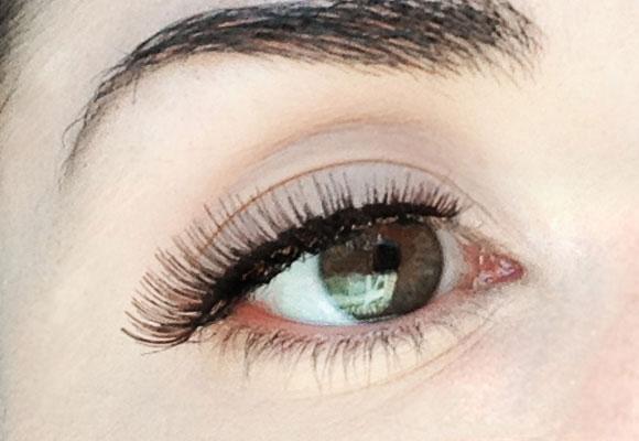 ciglia finte naturalites sull'occhio
