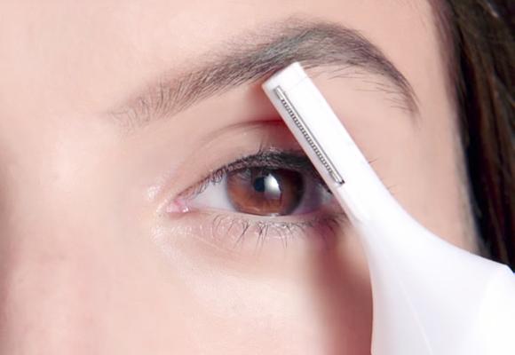 depilazione sopracciglia con veet sensitive precision