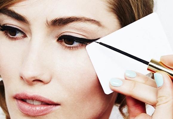 eyeliner con card
