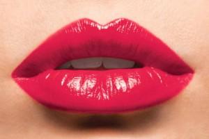 labbra con rossetto rosso