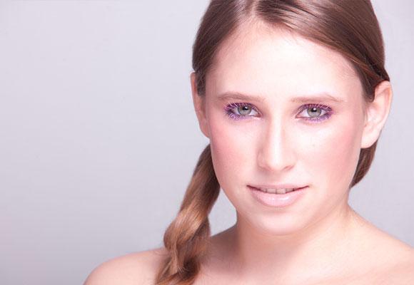 applicazione mascara colorato