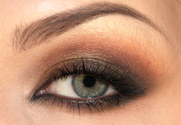smokey eyes semplice marrone