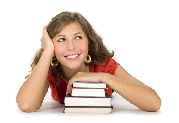ragazza con libri di scuola